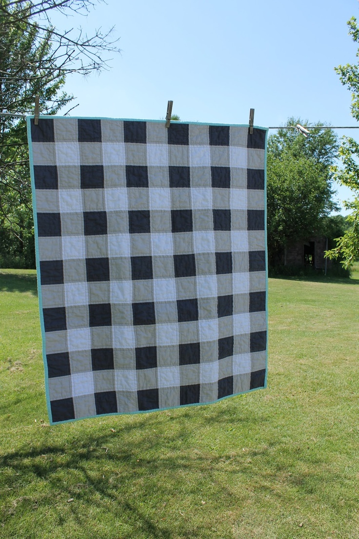 Craftyblossom: gingham quilts.