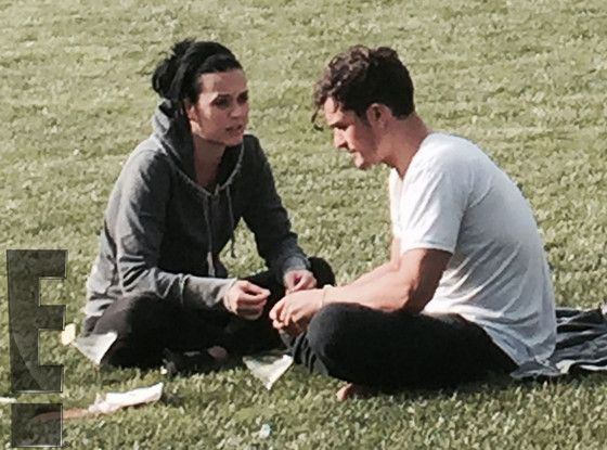 Katy Perry and Orlando Bloom Have Steamy Makeout Session on Romantic Getaway   E! Online