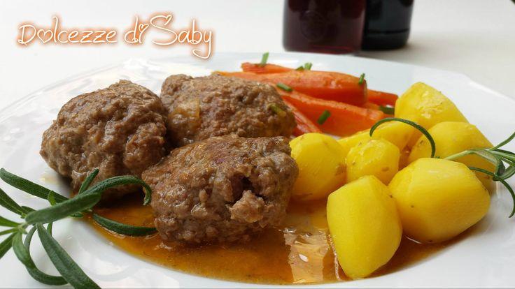 Ecco un piatto delizioso gustoso da preparare magari la domenica, le polpette in umido, molto saporite e soprattutto non fritte. Potete accompagnarl