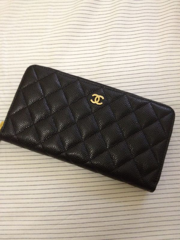 Chanel caviar zip around wallet. Ooooooooooooo. :)