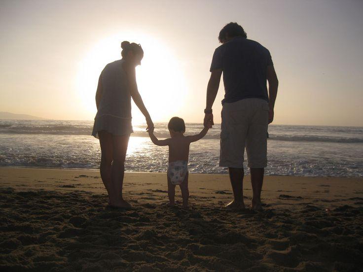 RAVELING DENGAN BAYI ATAU ANAK SANGAT SULIT DILAKUKAN Pendapat ini akan benar adanya jika orangtua masih berharap melakukan gaya perjalanan yang sama seperti sebelum kehadiran buah hati.