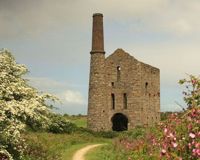 tin mine on the Mineral Tramway cycle route, part of Cornwall's ...