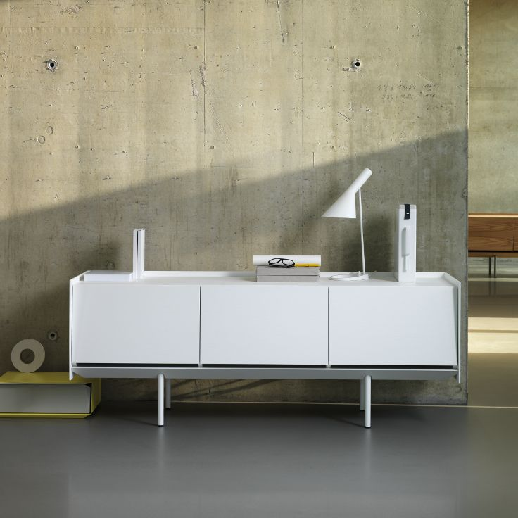 The white Sideboard 180.