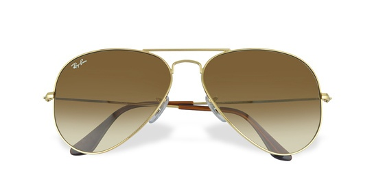 Ray Ban lunettes de soleil aviateur http://www.vogue.fr/mode/shopping/diaporama/shopping-militaire-camouflage-armee-en-permission/13682/image/763511#!ray-ban-lunettes-de-soleil-aviateur