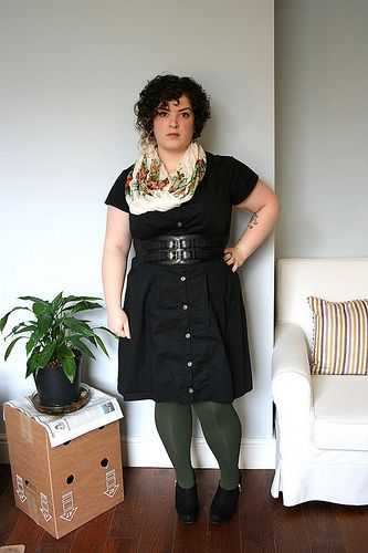 fatshion. LOVE the green tights!!