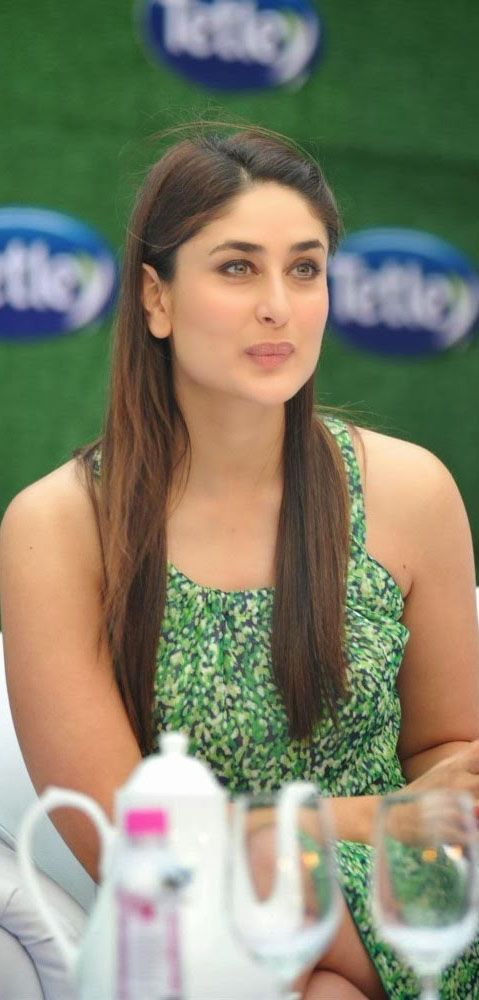 Kareena Kapoor  to get more hd and latest photo click here http://picchike.blogspot.com/