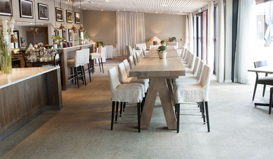 300 square meters of BKB Sisal Plain Hazel welcome the guest to the bistro of Torekov Hotel in Skåne in the South of Sweden. The flooring in mixed shades of beige reflects the picturesque surroundings and encloses the cosy interior design.