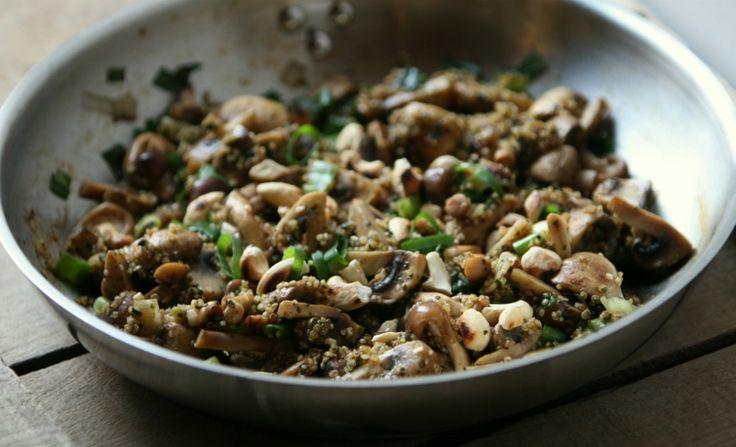 champignons en lente-ui met quinoa en cashewnoten
