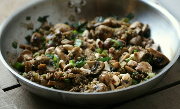 Karola's Kitchen - champignons en lente-ui met quinoa en cashewnoten (800x486)