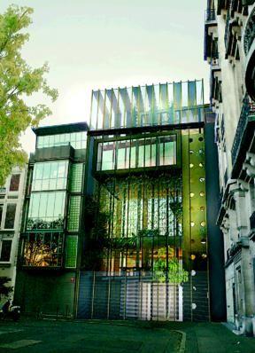 La « Maison 14 »,la maison la plus écolo de Paris: la première à réunir les quatorze objectifs de la Haute qualité nvironnementale (HQE) place Denfert-Rochereau, Paris 14ème