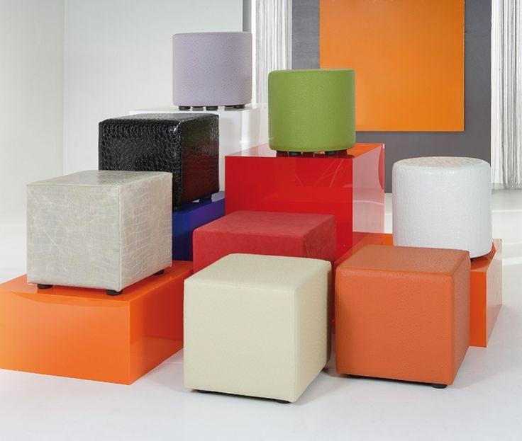 Tavolino/comodino/pouf colorato, adatto a qualsiasi ambiente. Disponibile rotondo , quadrato e rettangolare in varie misure. Realizzato artigianalmente!