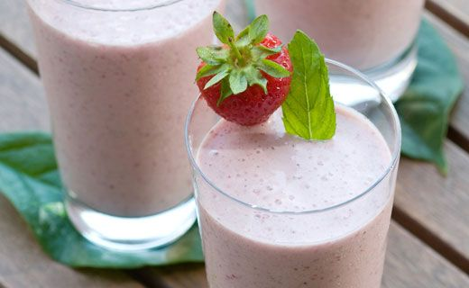 Breakfast: Epicure's Strawberry Banana Smoothie (140 calories/serving) serve with toast and nut butter