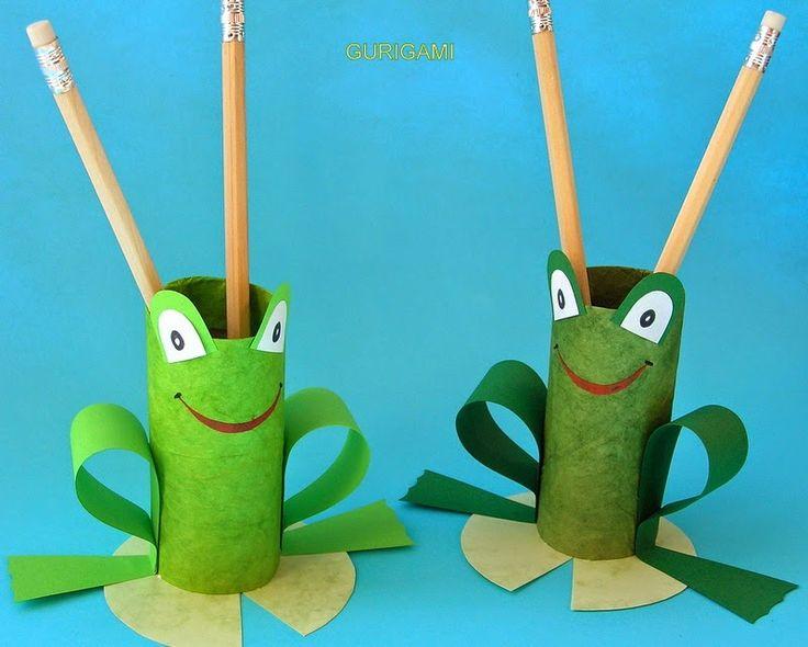 Frog toilet toll craft // Manualidad de rana con rollo de papel