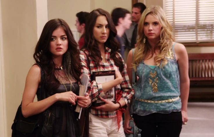 I love Hanna's top and earrings, Aria's top and feather earring and Spencer's lil white shorts