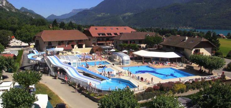 Camping L'Ideal. Leuk zwembad met glijbanen in de buurt van meer van Annecy