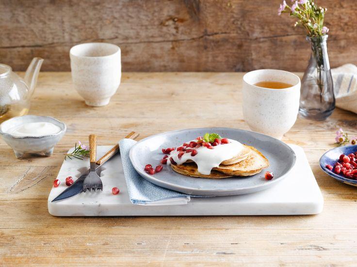 Ben jij klaar voor deze boekweit-bananen pannenkoeken met Alpro Mild & Creamy Naturel met Kokosnoot