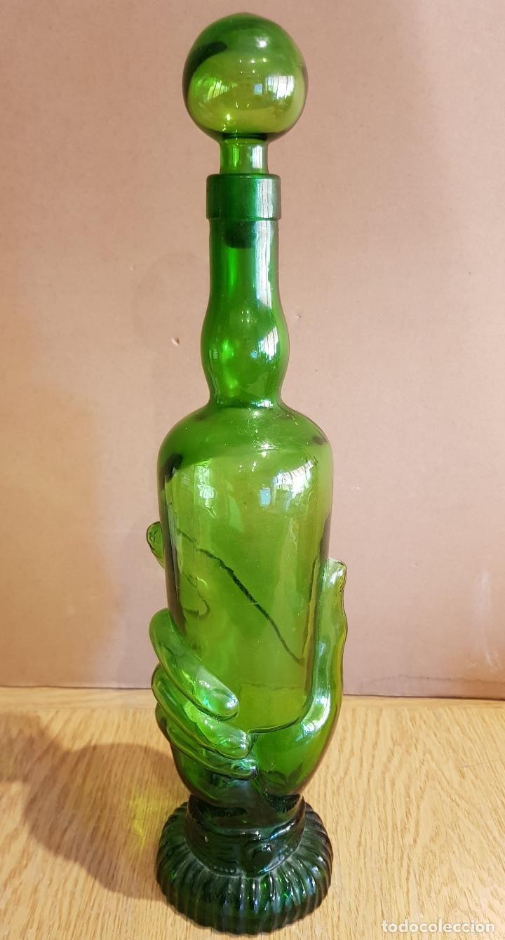 Compro Botellas De Vino Antiguas Curiosa Botella Para Licor En Cristal Prensado Forma De Mano