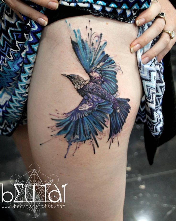 A abstract Tui bird (native to Nz) done this week on Natalie while I am guesting at @immortalink  Th - becstar_artist