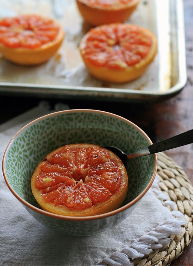 Broiled Grapefruit with Ginger and Brown Sugar via Girl Cooks World #fresh #antioxidants