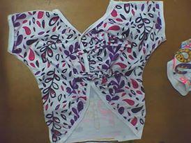 diseño de blusa para niñas con tiras sobrepuestas de amarre en espalda
