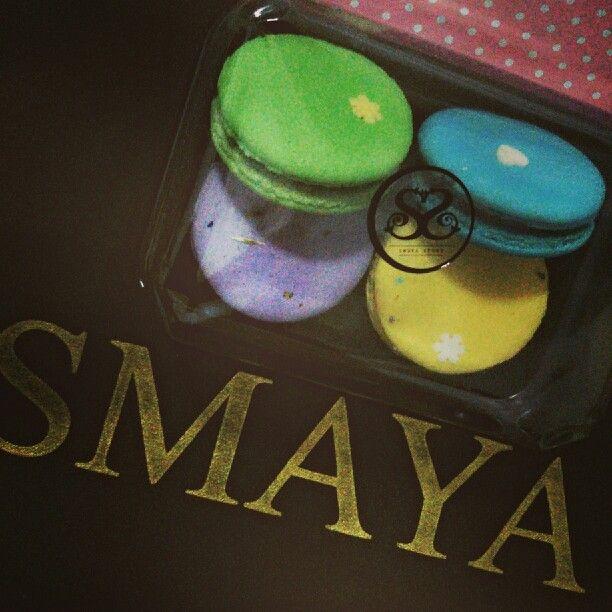 macarons/ Smaya_Story