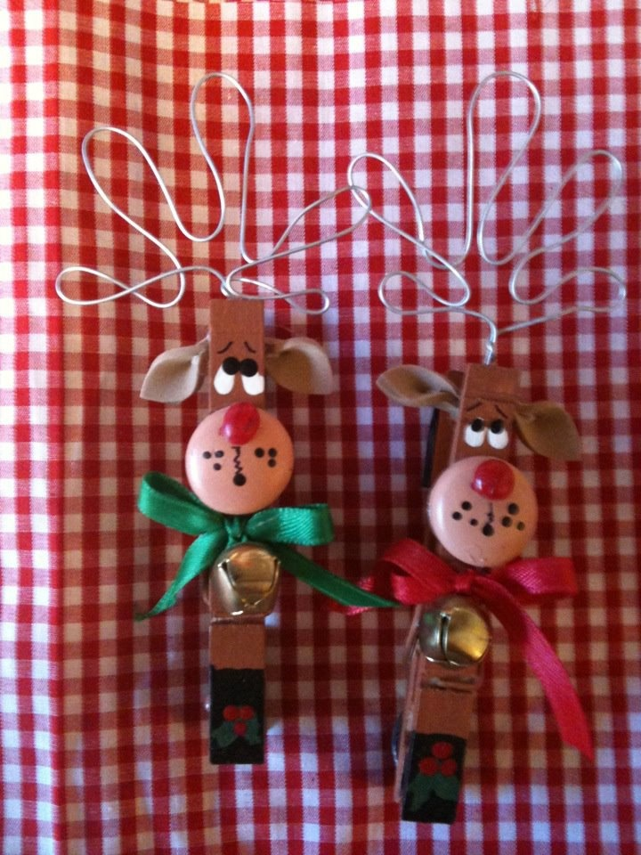 Set of 2 reindeers christmas clothespins magnets package for Christmas clothespin crafts