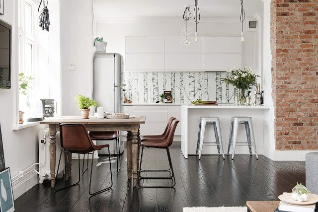 Jurnal de design interior - Amenajări interioare : Amenajare practică într-un apartament de 67 m²