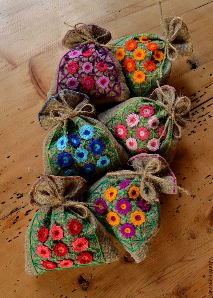 Вышивка в технике «Декоративная сетка», или «Крестик для ленивых». Часть 3: цветочки-мандалы - Ярмарка Мастеров - ручная работа, handmade