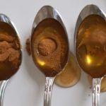 mierea cu scortisoara 1- Pierderea parului Se amesteca o lingura de miere, o lingura de ulei de masline si o lingurita de scortisoara pudra si se aplica pe scalp. Dupa 15 minute, se spala parul.
