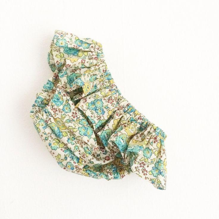 Maillot de bain en Liberty of London, motif Félicité. Entièrement doublé, élastiqué aux cuisses et à la taille. Confectionné à la main en France.