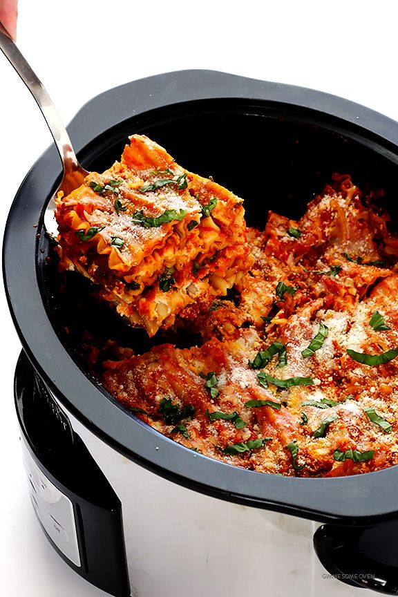 This Slow Cooker Lasagna recipe is easy to make in the crock pot, it takes just minutes to prep, and you can customize it with all of your favorite ingredients. | gimmesomeoven.com