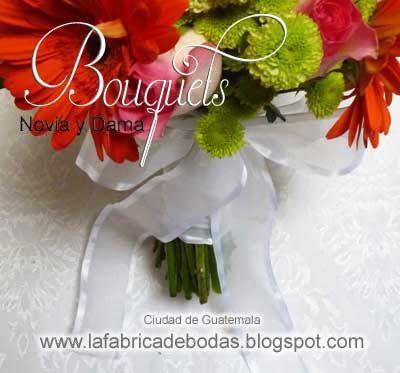 Nuestro bouquet para novia en naranjas y rosados. Si quierer ordenar el tuyo en  el mix de flores que elijas. llama al 502-58602962  clao/whatsapp ciudada de guatemala  #eventosguatemala #antiguaguatemala #lafabricadebodasguate www.lafabricadebodas.blogspot.com
