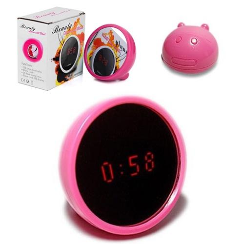 Ayna ayna söyle bana, saat kaç?  LED Saatli Alarmlı Mini Güzellik Aynası Sadece 14.90 TL  http://www.budurr.com/LED-Saatli-Alarmli-Mini-Guzellik-Aynasi_682