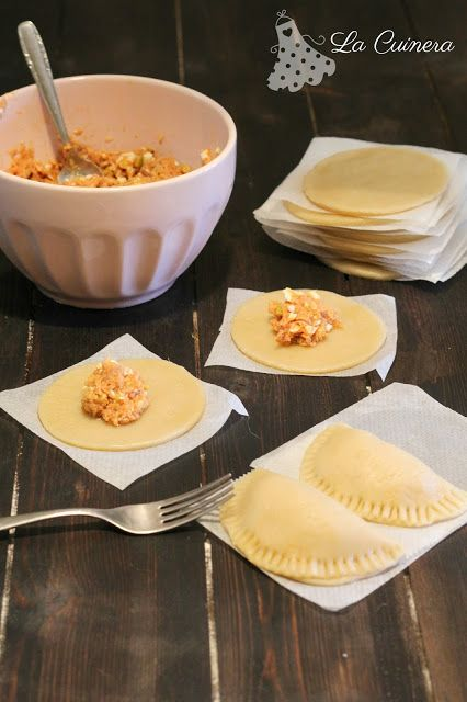 LA CUINERA: Cómo hacer masa de empanadillas en casa