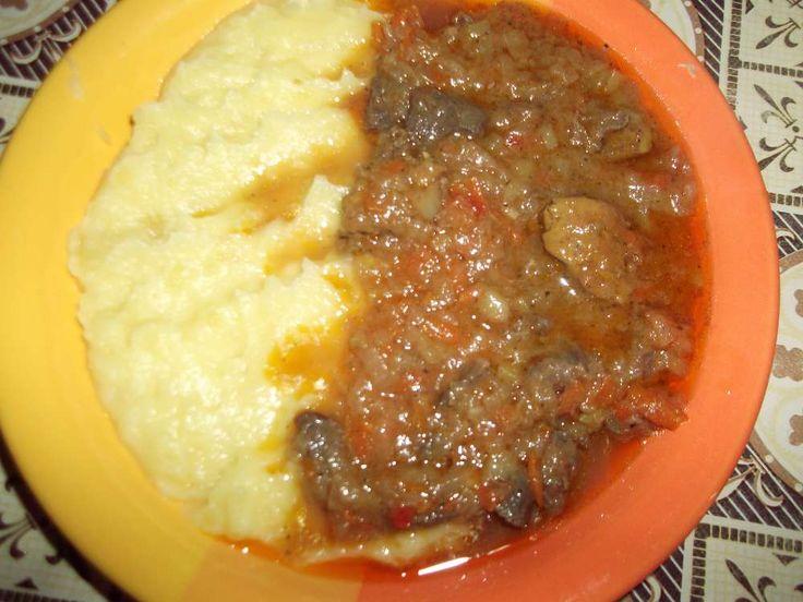 Tocana de maruntaie de pui cu cartofi pireu