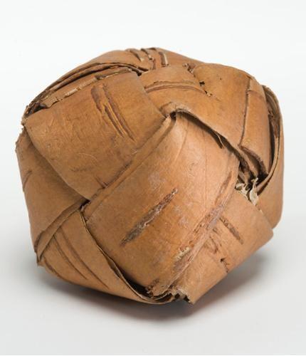 Tuohinen helistin Karjalasta - birchbark rattle from Karelia