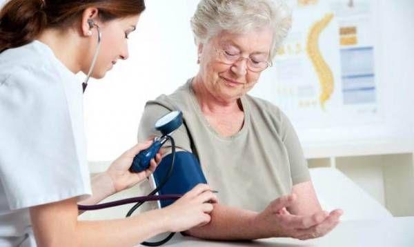 """""""Envejeciendo Positivamente"""": esta vez habrá una charla sobre hipertensión"""