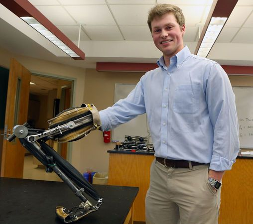 VIDEO: 19-year old Alabama student makes prosthetic leg from bicycle; will make more in Honduras #innovation #youth
