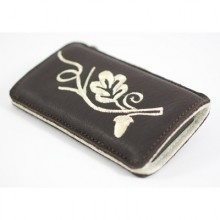Dark brown genuine deerskin leather iPhone case named Oaky from filz:stueck's Bavarian Edition,  handcrafted in Munich.