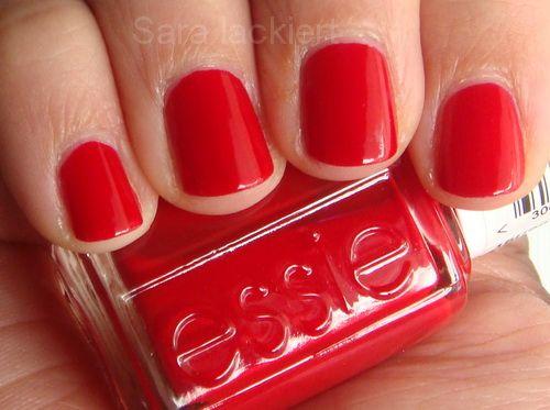 Nach Neon gestern, gibts heute ein klassisches Rot für Euch:   Really Red  von essie    Ihr wisst ja das ich roten Nagellack liebe und dahe...
