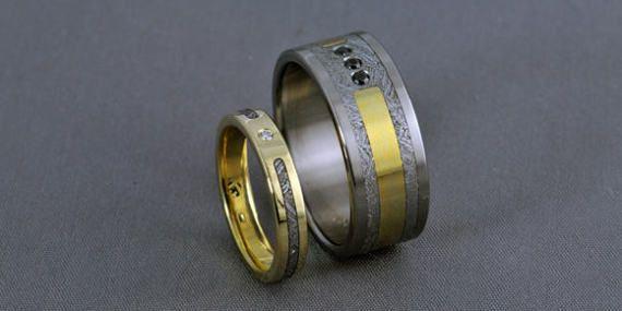 Meteorite Pair Yellow gold titanium wedding ring set