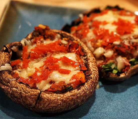No carb, low calorie Portobella Mushroom Pizzas using a simple, homemade marinara sauce! | Zuzka Light Recipes