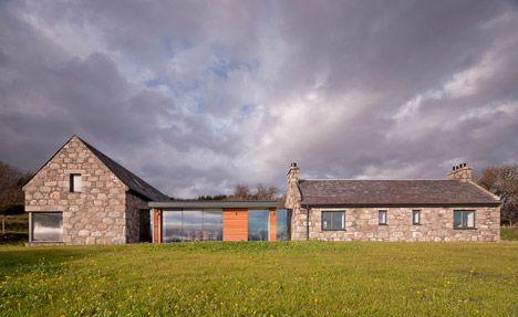 Gabled stone and glass Torispardon house reinterprets Scottish farm buildings - Skócia, építészet