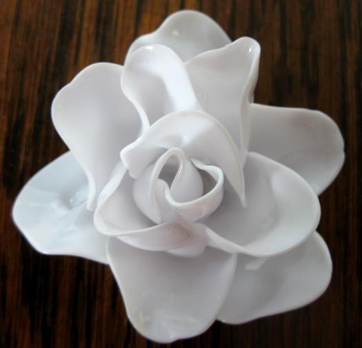 красивый цветок из ложек