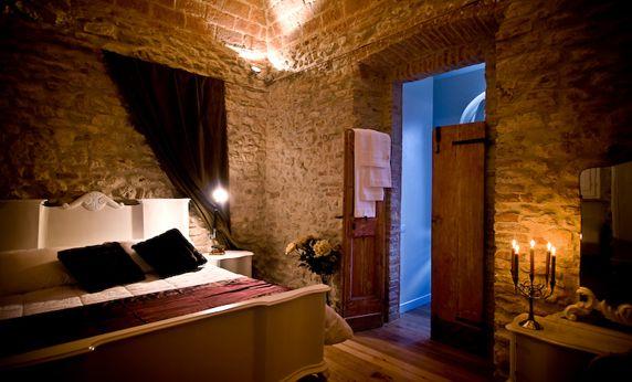 """Speciale """"Albergo Diffuso"""": Castello di Montignano http://www.allyoucanitaly.it/blog/sentirsi-a-casa-con-albergo-diffuso-in-italia"""