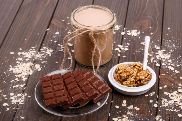 Молочный коктейль с бананом и шоколадом, ссылка на рецепт - https://recase.org/molochnyj-koktejl-s-bananom-i-shokoladom/  #Напитки #блюдо #кухня #пища #рецепты #кулинария #еда #блюда #food #cook