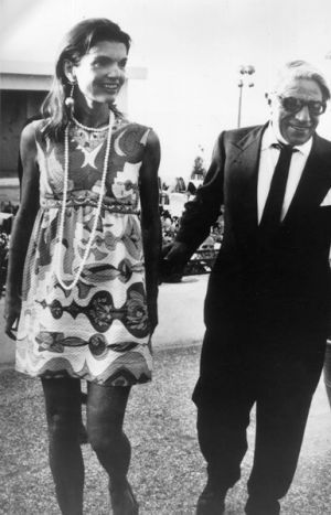 Pictures of Jackie Kennedy fashion icon - jackie o.jpg