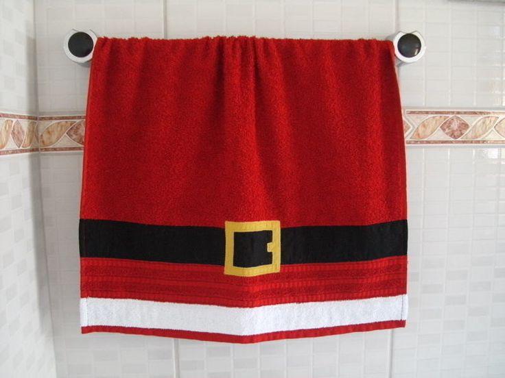 Capa para vaso sanitário e 2 tapetes em brim de algodão (1 para o vaso e 1 para o box) com detalhes em tecido aplicado e tecido estampado com motivos natalinos. Dê um toque divertido ao seu banheiro neste Natal e surpreenda seus convidados!    O PREÇO DO KIT TOTAL É R$ 200,00    O pedido pode ser...