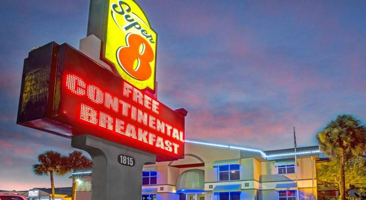 Super 8 Kissimmee Suites Kissimmee Centrally located in Kissimmee, this Super 8 Kissimmee Suites features an outdoor pool and a daily continental breakfast. The motel is 13 km of the Walt Disney World Resort and 15.7 km from SeaWorld.