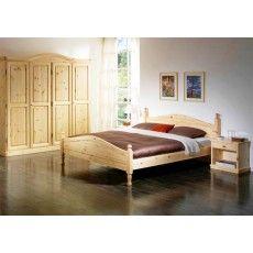 Il calore di una camera da letto in legno massiccio di pino! L'atmosfera che solo il legno può regalarti per la tua zona notte!! #mobiliinpino #cameradaletto #arredorustico #wood #zonanotte